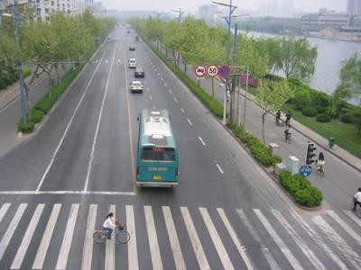 hangzhou.streets.jpg