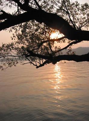 hangzhou.xi.hu.sunset.jpg