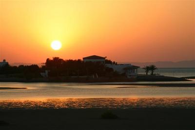 egypt.elgouna.sunrise.jpg