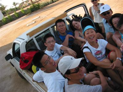pickup.truck.bunch.of.chinese.in.egypt.jpg