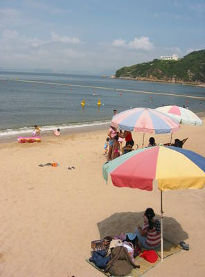 cheung.chau.more.beach.jpg