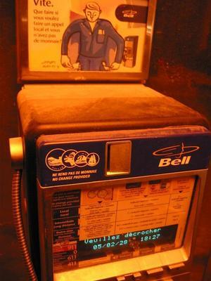 montreal11.public.phone.jpg