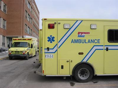 montreal22.ambulance.jpg