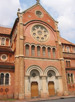 saigon.cathedral.jpg