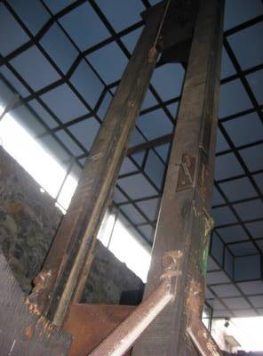 saigon.guillotine.jpg